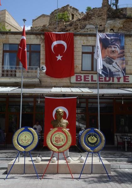 Atatürkmonument in Sinasos (Mustafa Pasha)