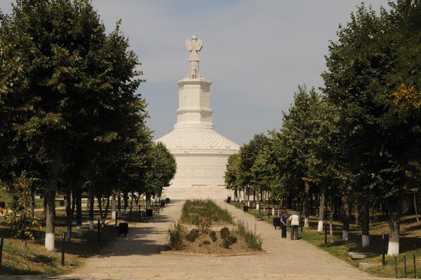 adamclisi_monument_01_ab