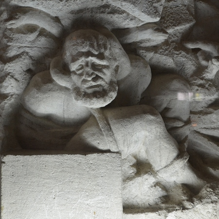 toos_mausoleum_firdowsi_sculpture_feryedun_sedighi_24