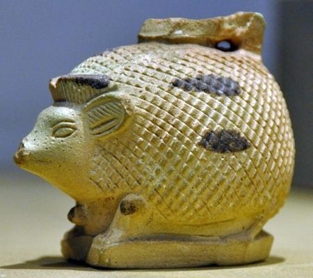 Egeltje van gebakken klei. (Archeologisch Museum van Aleppo)