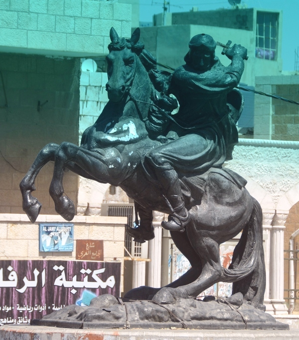 Standbeeld van Saladin in Kerak (Jordanië)
