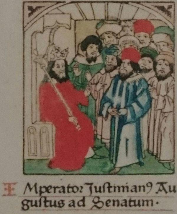 Justinianus kondigt de codificatie van het Romeins Recht aan. Miniatuur uit de Mainzer editie van 1477, waarvan een exemplaar (vastgebonden aan een ketting) is te zien in de Librije van de Walburgiskerk in Zutphen.
