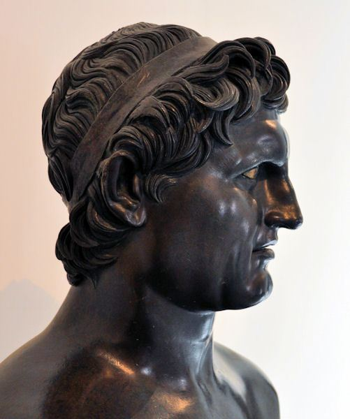 Seleukos (Een onwaarschijnlijk goed bewaard bronzen beeld uit de Villa van de papyri in Herculaneum)